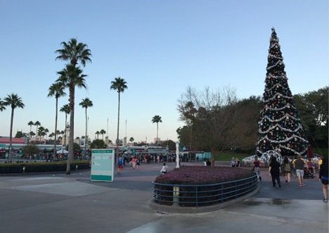Entrance gate of Hollywood Studios Park